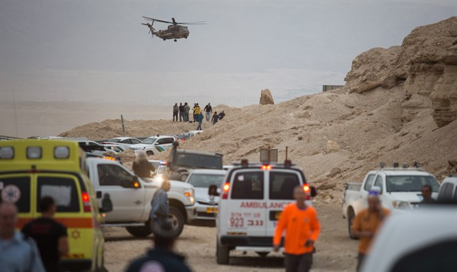 Searches for survivors at Nahal Tzafit