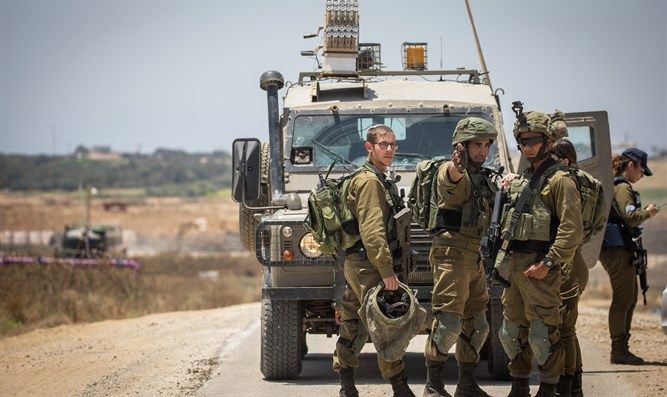 soldiers by Gaza border