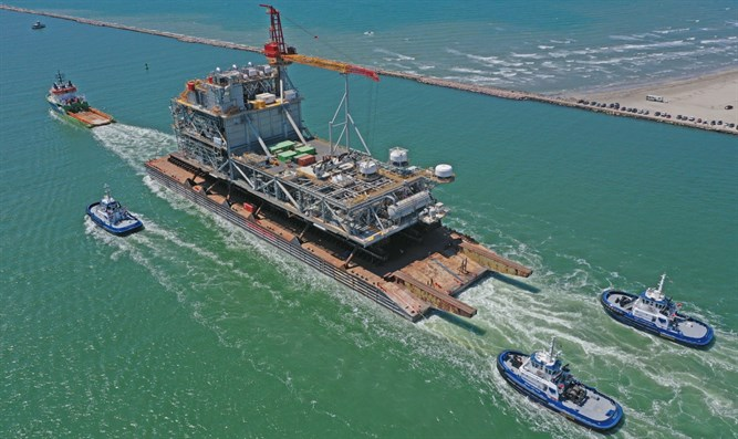 Leviathan gas rig on way to Israel