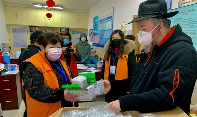 Distributing medical masks