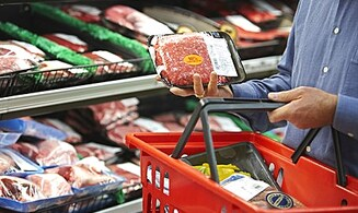 Chief Rabbi: Expect Huge Cost Hikes on Meat Soon