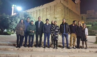 Habima actors stop at Cave of the Patriarchs