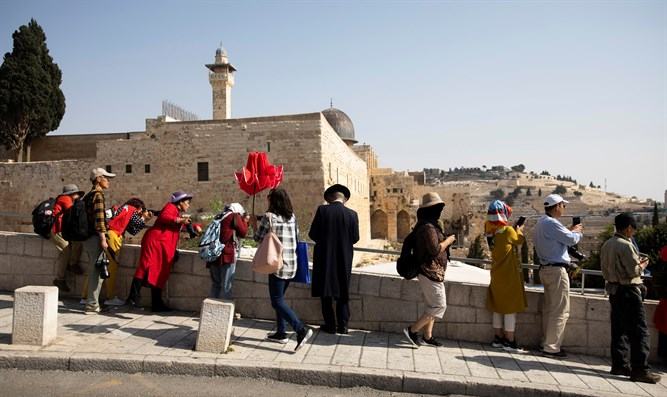 Tourists overlooking one of the entrances leading to the Western Wall