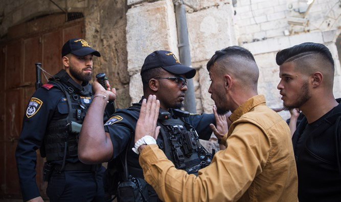 Police on Temple Mount (illustrative)